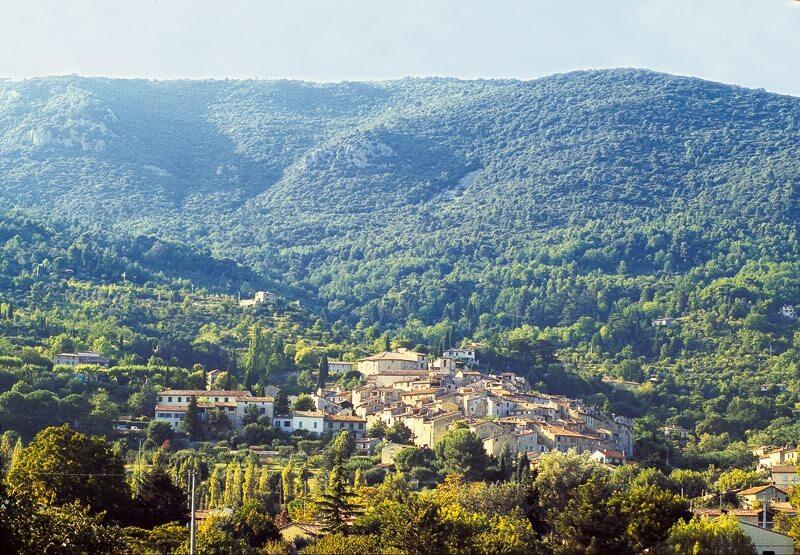 5. Seillans, village provençal perché